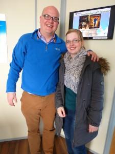 Sandra mit dem Direktor der Sprachschule
