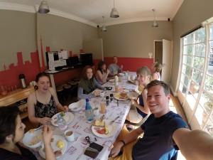 Frühstück mit anderen Projektteilnehmern