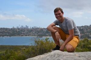Sydneys Skyline im Hintergrund