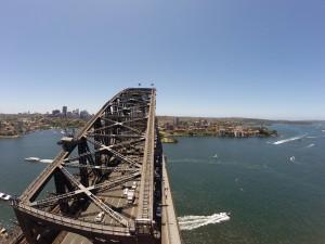 Die gigantische Sydney Harbour Bridge von oben