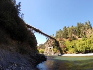 35 Meter hohe Bungy-Brücke in Hanmer Springs
