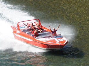 Jet-Boot fahren ist lustiger als gedacht...