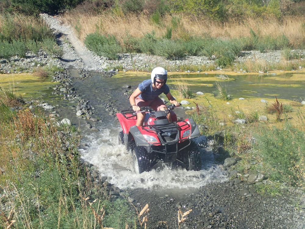Fluss-Durchquerung mit dem Quad in Hanmer Springs