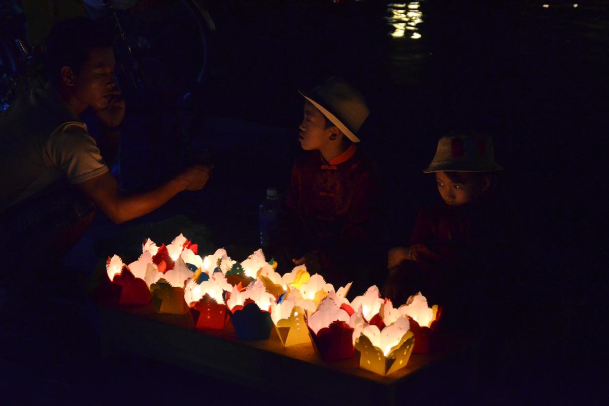 Das Lichterfest in der Vollmondnacht