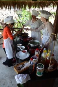 Frauen bei der Arbeit: Kochen ;-)