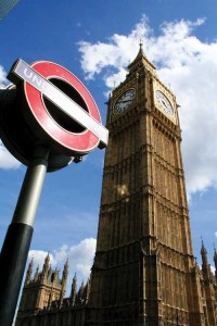 gb-EC-London-Ubahn-und-Big-Ben
