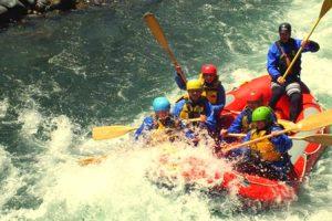nz_hs_kuranui_White-water-rafting