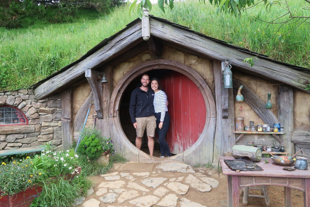2-hobbiton-welcome