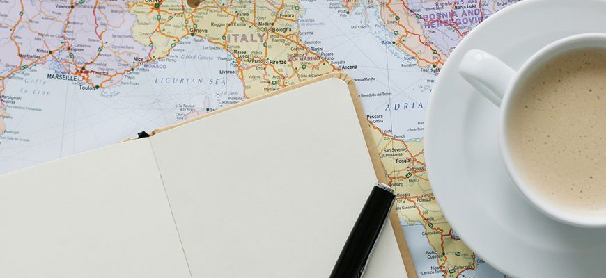 shutterstock_363430034_traveling_map_table