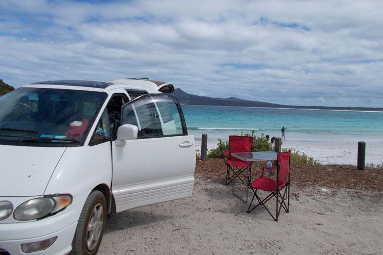 1628685-Bestes-Auto+-Campingplat-am-Strand--Michelle-Niedermeyer