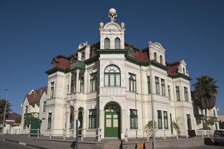 Ein Relikt aus der deutschen Kolonialzeit: das Hohenzollernhaus in Swakopmund.