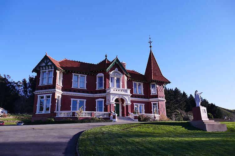 vivien-red-castle-st-kevins-college