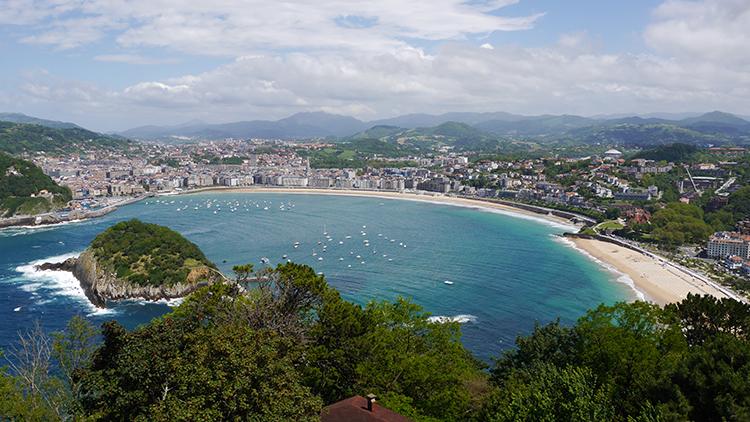 Die Bucht von San Sebastián.