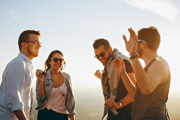 Work & Travel - Allein ins Ausland Finde unterwegs Freunde.